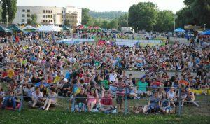 Около тысячи запорожских болельщиков