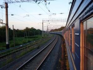 В Запорожье вандалы стали чаще портить железнодорожный подвижной состав