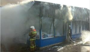 В Запорожской области огонь оставил бизнесмена без товара