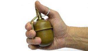 Запорожец ждал приезда патрульных с гранатой в руках