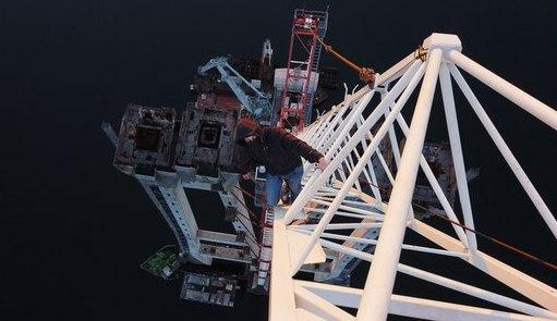 Киевлянин покорил самый высокий башенный кран в стране, который установлен в Запорожье
