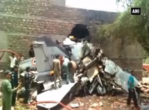 Истребитель, который рухнул на жилые дома в Индии, был «морально» устаревшим