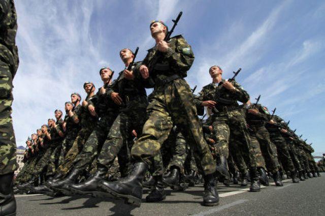 Более 1220 запорожцев приняты на военную службу по контракту