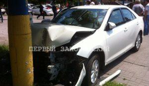 На центральном проспекте Запорожья иномарки не поделили дорогу - есть пострадавшие (ОБНОВЛЕНО)