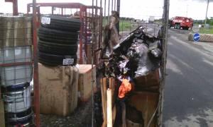 На трассе Запорожье-Мариуполь загорелся грузовик с посылками