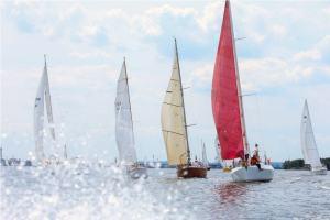Парусная регата в Запорожье собрала 250 яхтсменов со всей Украины (ОБНОВЛЕНО)