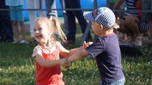 Запорожская фан-зона на один день превратилась в территорию детства