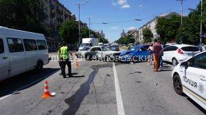 В патрульной полиции рассказали подробности масштабной ДТП возле мэрии - кадры аварии