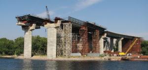 В Запорожье начали обследовать недостроенные мосты через Днепр