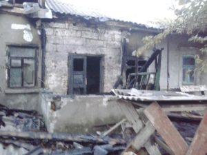 В Бердянске сгорел дом - погибла 40-летняя женщина - ФОТО