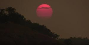 Как на Юпитере: В Запорожье сняли необычайно красивый закат
