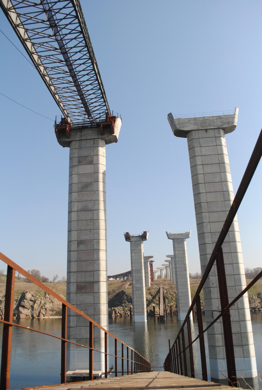 Руководитель областной Службы автодорог: Запорожские мосты - очень заполитизированный объект