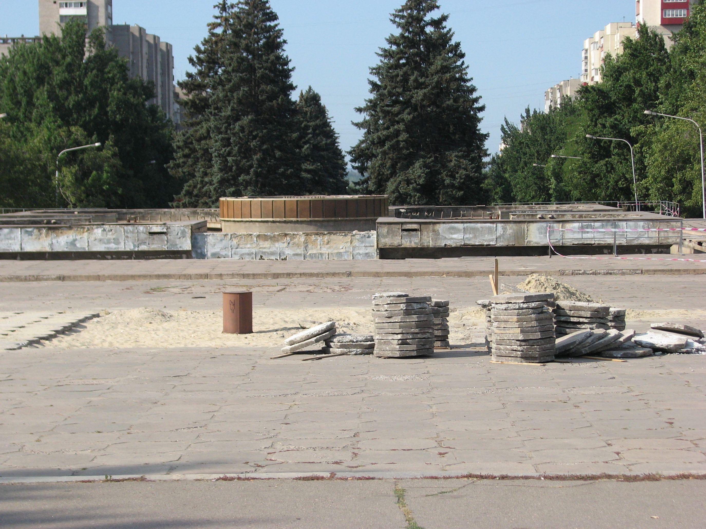 В 2017 году начнется масштабная реконструкция фонтана на площади Фестивальной