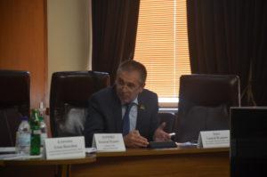 Геннадий Бурка: Во всех отделениях онкодиспансера врачи сидят на откатах