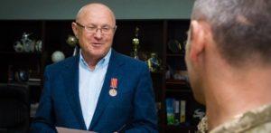 Гришин хочет отобрать у Межейко награду