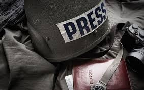 В ИМИ подготовили пособие для журналистов, которые работают в опасных условиях