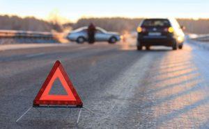 В результате ДТП пассажирку придавило в согнутом автомобиле