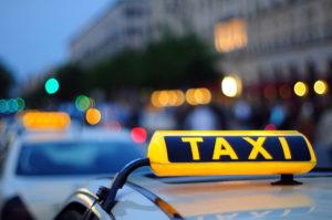 В Запорожской области таксист со своим знакомым избили велосипедистов