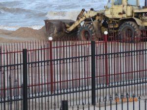 В Запорожской области массово воруют песок с пляжей