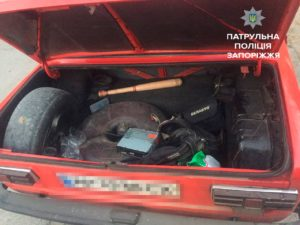 Наркоманы обворовали автомобили запорожцев