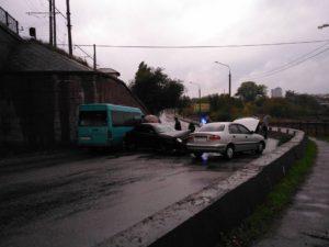 На мосту Преображенского произошло очередное ДТП - фото, видео