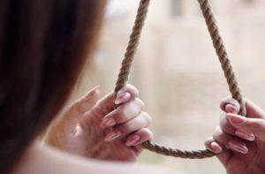 В Запорожье прохожие спасли самоубийцу