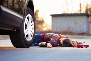 Автомобиль насмерть сбил девушку