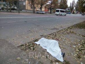 В Запорожской области нашли труп мужчины рядом с проезжей частью