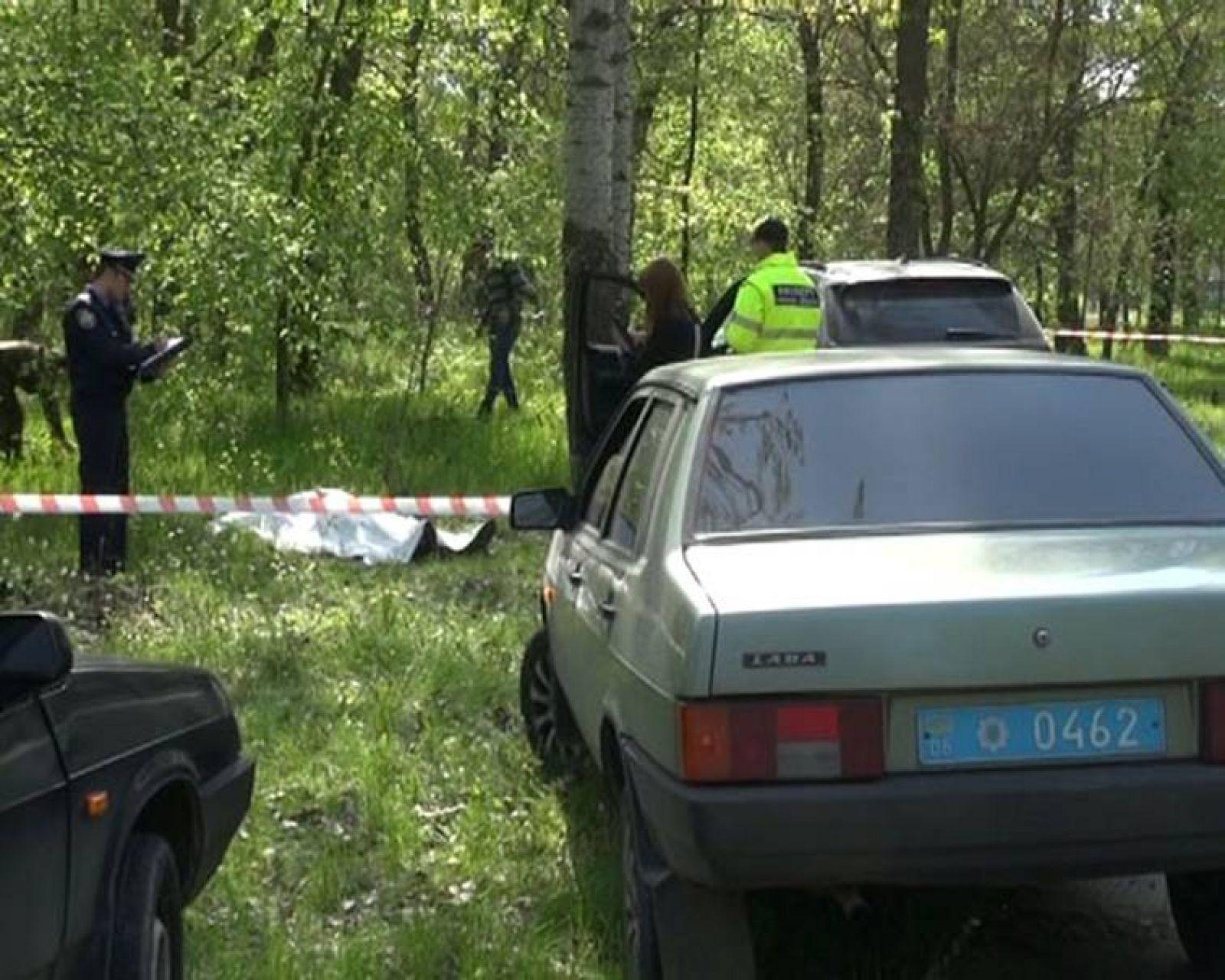В Запорожье мужчина закопал отца, а сам повесился