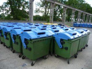 В запорожских дворах появятся новые мусорные баки