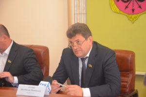 Владимир Буряк высказал недоверие к департаменту ЖКХ