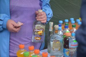 Несмотря на запрет властей, на Покровской ярмарке во всю продают алкоголь - ФОТО