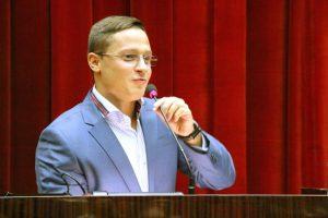 Заместитель Самардака предложил депутату облсовета сложить мандат