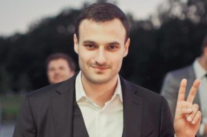 Первый заместитель Брыля Дмитрий Давтян задекларировал миллионы, автомобили и антикварные иконы