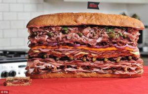 На выходных в Запорожье приготовят гигантский бутерброд
