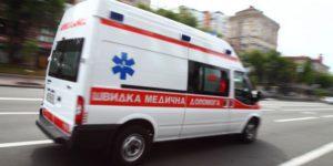 В Запорожье девочка пролетела 10 метров от удара микроавтобуса