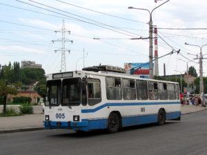 В Запорожье закрыли движение троллейбусного маршрута