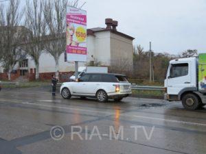 У Запорізькій області вантажівка врізалася в Range Rover - ФОТО