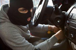 У жителя Запорожья ночью угнали Lexus - ФОТО