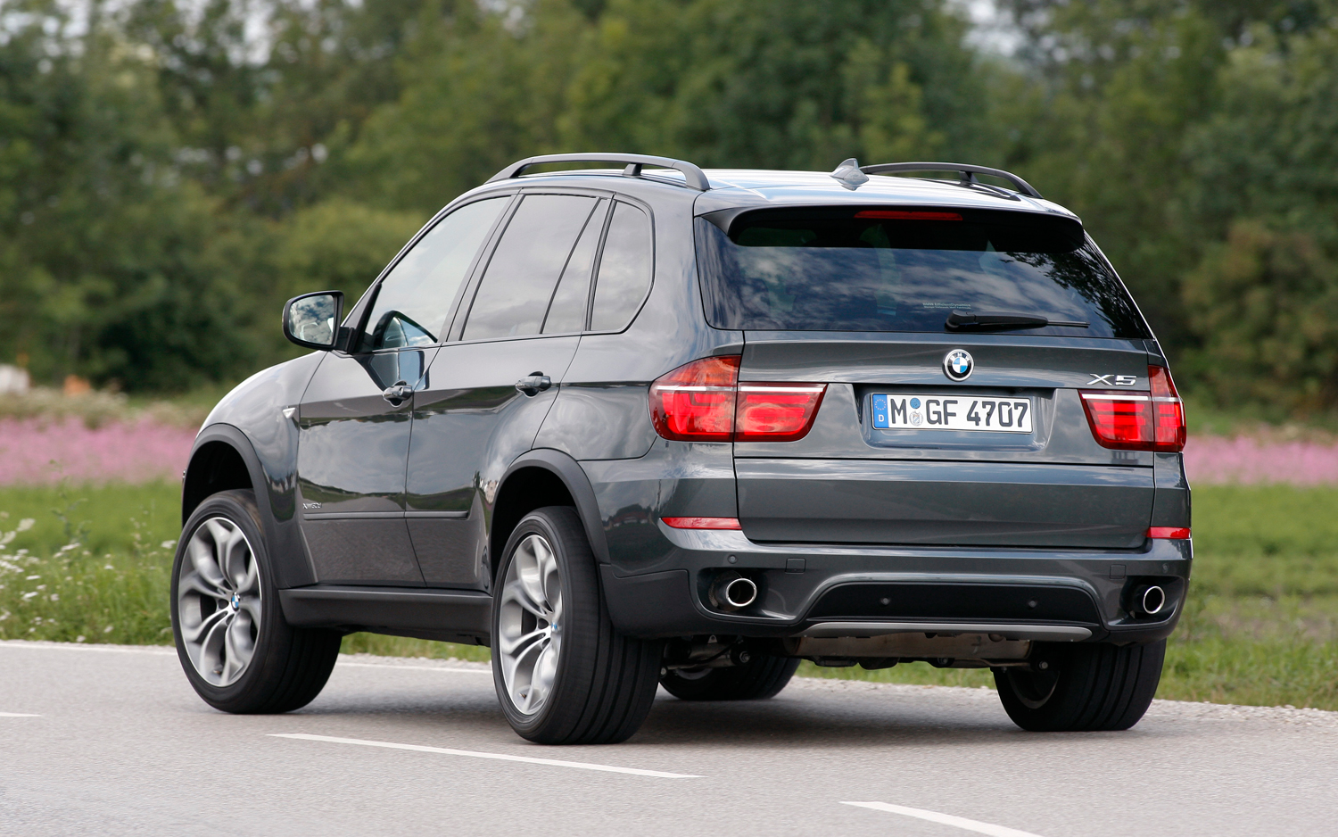 2012-bmw-x5-rear-three-quarters