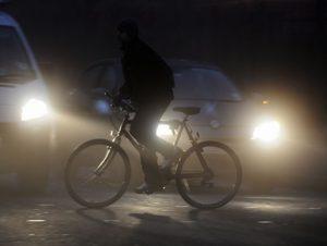В Запорожской области под колесами машины погиб велосипедист