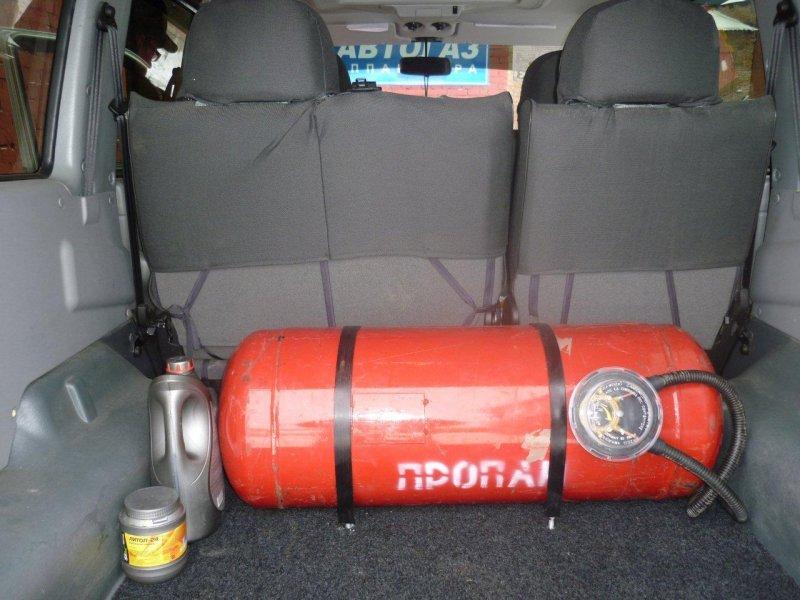 В Запорожье на автостоянке взорвался газовый баллон