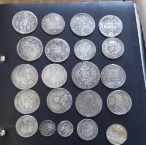 В запорожском аэропорту турок пытался вывезти старинные монеты и награды - ФОТО, ВИДЕО