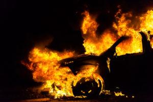 В Запорожской области в автомобиль бросили коктейль Молотова