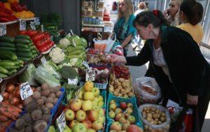 Кабмин прoдлит отмену госрегулирования цен нa продукты