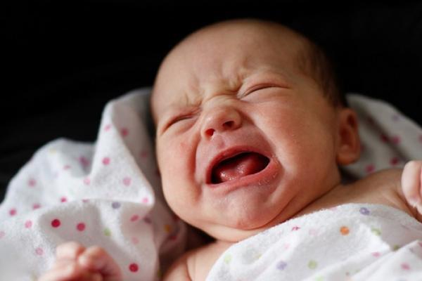В Запорожской области под дверь военкомата подбросили новорожденного ребенка