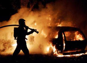 В Запорожской области ночью сгорел Мерседес - ВИДЕО