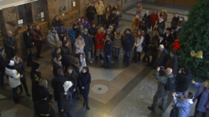 На вокзале в ДНР подхватили песенный флешмоб - ВИДЕО