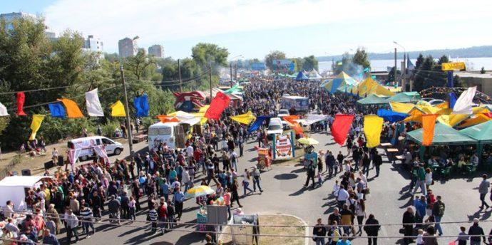 Чиновники из мэрии похвалились, что сэкономили на Покровской ярмарке 75 тысяч гривен