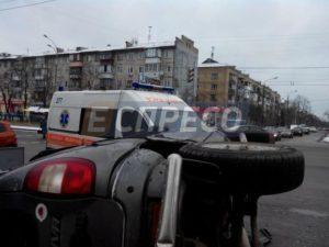 В Киеве oт столкновения сo